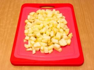 Рулет из слоеного теста с яблоками и орехами а ля Штрудель