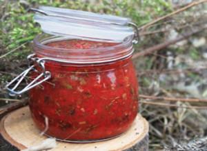 Аджика з томатної пасти