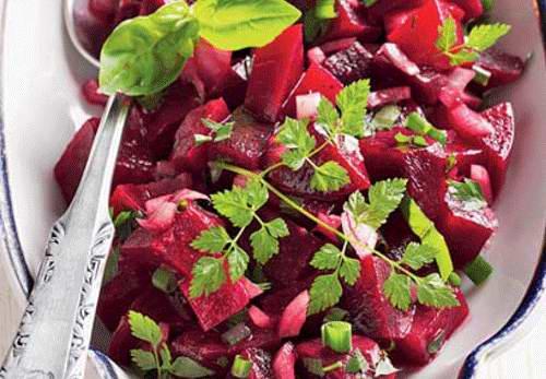 Буряковий салат з квасолею