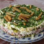 Новогодний салат «На траве дрова»