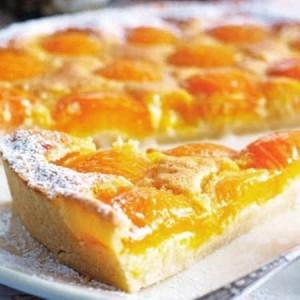 Пирог абрикосовый с миндалем