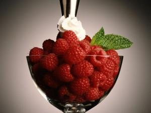 Легкі літні десерти