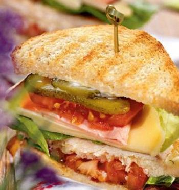 Тришаровий сендвіч