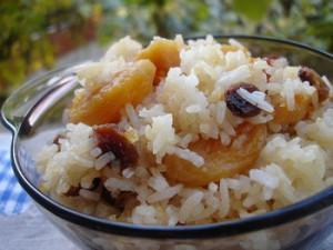 Сладкая рисовая каша в горшочках