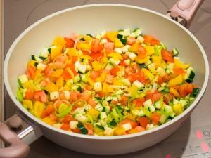 Риба, тушкована в овочах