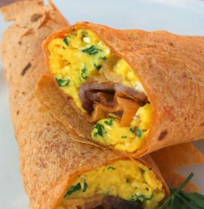 Бурито с яйцами на завтрак