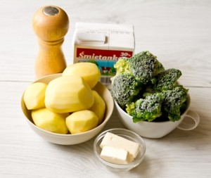 Пюре з брокколі і картоплі