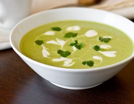 Вершковий крем-суп із зеленого горошку