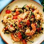 М'ятний салат з пшеницею і креветками