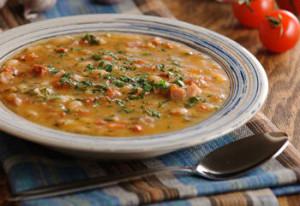 Суп с фасолью и ветчиной
