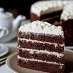 Черемховий торт зі сметанним кремом