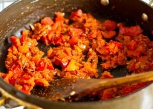 Червоне каррі з курки з солодким перцем