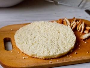 Торт Полуничний мус