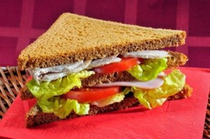 8 простых рецептов сэндвичей с рыбой