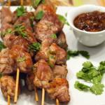 Шашлик зі свинини з інжировим чатні