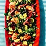 Зелений салат з лососем