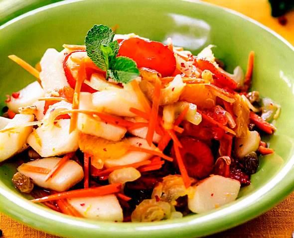 Салат з фруктів і овочів