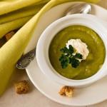 Весняний суп-пюре із зеленим горошком