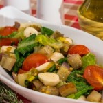 Салат з баклажанами, помідорами і моцарелою