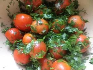 Малосольні помідори черрі