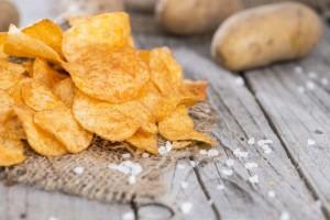 3 домашних рецепта полезных чипсов