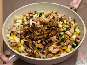 Рагу з овочами і грибами