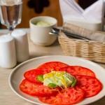 Закуска з помідорів з кремом з фети