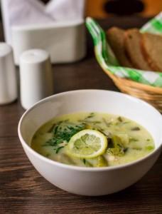 Суп із зелених овочів з куркою