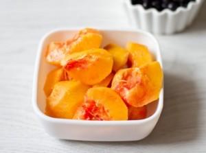 Чорнично персиковий смузі з медом