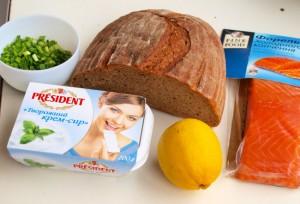Закуска з копченого лосося з житнім хлібом