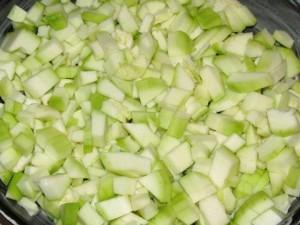 Кабачки, запечені з сиром і омлетом