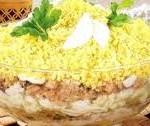 Салат з копченої горбуші з лисичками і восковою квасолею