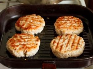 Фішбургери з соусом тартар