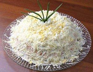 Святковий салат «Новорічна гірка»