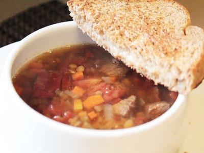 Суп із сочевиці в мультиварці
