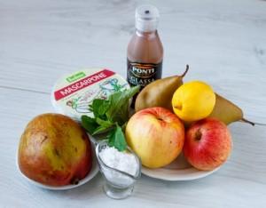 Десерт з осінніх фруктів з маскарпоне і манго