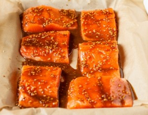 Запечений лосось в медово гірчичному соусі