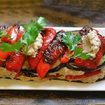 Часниково-горіховий салат з баклажанами і перцем