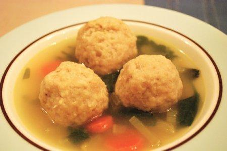 Суп з курячими фрикадельками