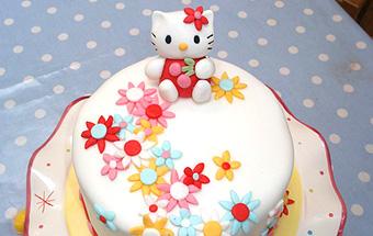 Торт дитячий з мастики