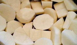 Качка в духовці з картоплею