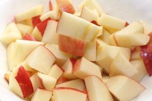 Сир з яблуками