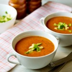 Гострий суп-пюре з квасолі з авокадо