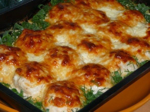 Куриные шарики с сыром в сливочном соусе