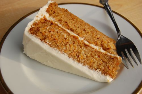 Морквяний торт зі сметанним кремом