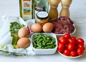 Салат з курячою печінкою і бальзамічною заправкою