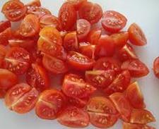 Салат из креветок с помидорами черри