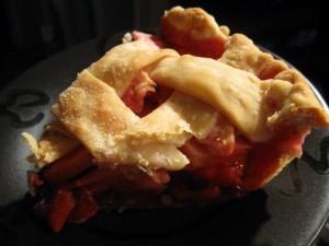 Пиріг з брусницею і яблуками