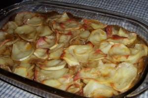 Яловичина з картоплею в духовці
