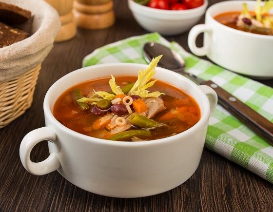 Квасолевий суп з куркою
